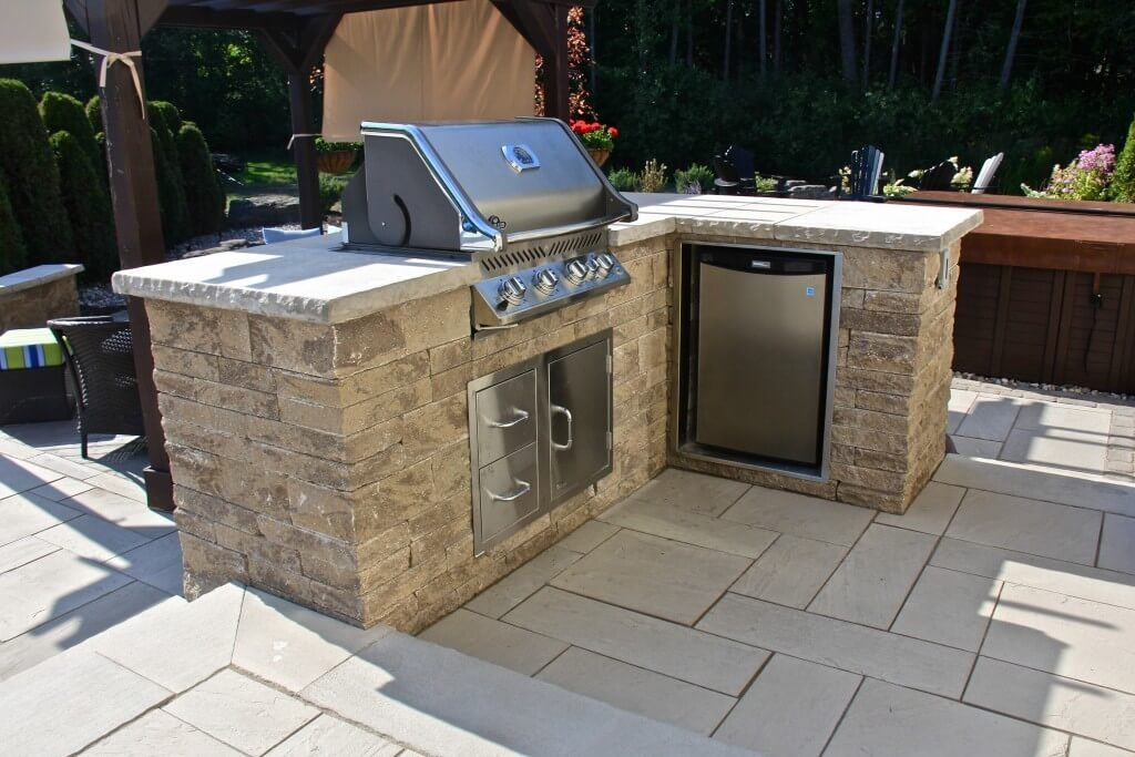 Swell Outdoor Kitchens Ottawa Landscapers Can Help Jonathan Home Interior And Landscaping Mentranervesignezvosmurscom