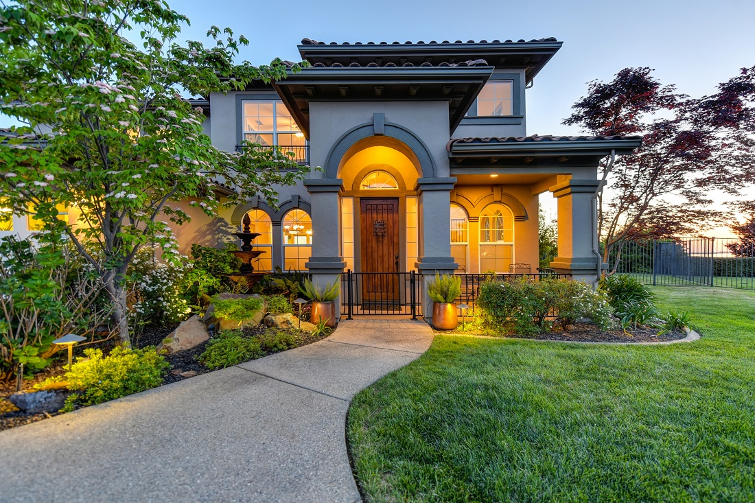 7 Ways to Enhance Your Front Entry with Landscaping